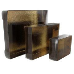 Brun gaveæske med låg, guldfarvet på indersiden